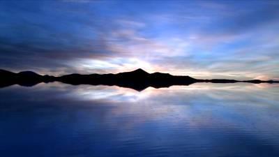 Озеро во время заката